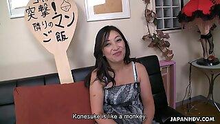 Oriental mom loves fucking